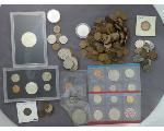 Lot: 184 - IKE DOLLAR, PROOF SETS, PENNIES & FOREIGN