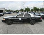 Lot: 331 - 2011 Ford Crown Victoria - Key / Starts & Runs<BR>VIN #2FABP7BV2BX102111