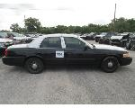 Lot: 334 - 2011 Ford Crown Victoria - Key / Starts & Runs<BR>VIN #2FABP7BV9BX116443