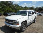 Lot: B 30 - 2003 CHEVY TAHOE SUV - KEY / STARTED