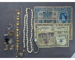Lot: 7678 - RINGS, NECKLACE, CURRENCY & STERLING RING