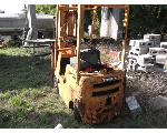 Lot: P14-MS - Toyota Forklift/ Picnic Table