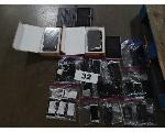 Lot: 32 - (16) Cell Phones & (7) Tablets