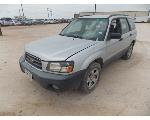 Lot: 14 - 2004 Subaru Forester SUV - Key / Starts & Runs