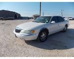 Lot: 16 - 2001 Lincoln Continental - Key / Starts & Runs