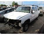 Lot: 908 - 2002 CHEVROLET SUBURBAN SUV