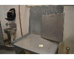 Lot: 24-2501 - Metal table w/ Drainage