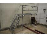 Lot: 27-2501 - Metal Stair Platform