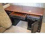 Lot: 34-2403 - Single Desk