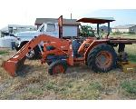 Lot: V04-3500 - Kubota Tractor - Key