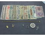 Lot: 224 - U.S. & FOREIGN CURRENCY, 14K CHAIN W/GOLD PENDANT