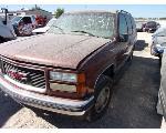 Lot: 531-61532C - 1998 GMC YUKON SUV