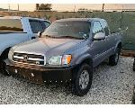 Lot: 04 - 2000 TOYOTA TUNDRA LIMITED PICKUP - KEY / STARTED