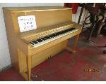 Lot: 123 - WURLITZER PIANO