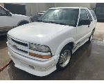 Lot: 19 - 2002 Chevy Blazer SUV - KEY / STARTED & RAN