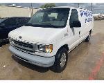 Lot: 20 - 2001 Ford E150 Van - KEY / STARTED & RAN