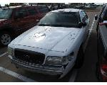 Lot: 19-2499 - 2004 FORD CROWN VICTORIA