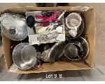 Lot: 09 - Pallet of Misc Kitchenware