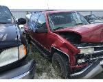 Lot: 28 - 1999 CHEVORLET SUBURBAN SUV - KEY