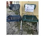 Lot: 3401 - (30) 18-in Student Chairs