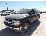 Lot: 28 - 2004 Chevrolet Suburban SUV - Key / Started & Drove