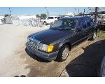 Lot: 01-165589 - 1989 Mercedes-Benz 260E - Key / Started