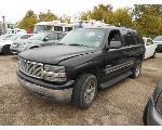 Lot: B 13 - 2003 CHEVY TAHOE SUV -