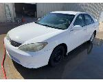 Lot: 3 - 2005 Toyota Camry - Key / Started & Drove
