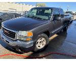 Lot: 10 - 2004 GMC Sierra Pickup - Key / Started & Drove