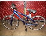 Lot: 02-23426 - Schwinn Third Avenue Bike