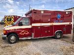 Lot: 2 - 2005 Ford E350 Ambulance - Key / Starts