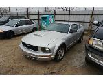 Lot: 2-2774 - 2005 Ford Mustang - Key