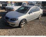 Lot: 35000 - 2005 Mazda 3