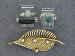 Lot: 8188 - SILVER RINGS & 14K LAPEL PIN
