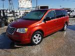 Lot: 01-166585 - 2010 Chrysler Town & Country Van - Key / Started & Ran