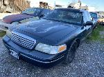 Lot: 483 - 1995 FORD CROWN VICTORIA - KEY / RUNS & MOVES