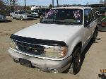 Lot: 37 - 2000 FORD EXPLORER SUV - KEY / STARTED