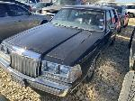 Lot: 14 - 1987 LINCOLN CONTINENTIAL  - KEY / STARTED