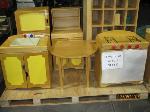 Lot: 610 - KIDS FURNITURE: SHELF, TABLE, KITCHEN