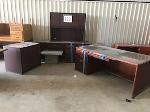 Lot: 223.ELM MOTT - (5pc) Furniture