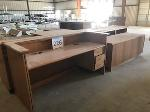 Lot: 226.ELM MOTT - (5pc) Furniture