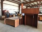 Lot: 232.ELM MOTT - Furniture