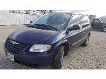 Lot: 01 - 2005 Chrysler Town and Country Van - Key / Started & Drove