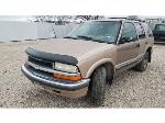 Lot: 19 - 2000 Chevy Blazer SUV - Key / Started & Drove