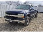 Lot: 21 - 2001 Chevy 2500 Pickup - Key / Started & Drove