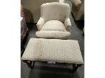 Lot: 02-23784 - Chair w/ Foot Rest