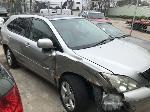 Lot: 9 - 2004 Lexus RX 330 SUV - Key / Starts