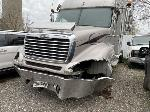 Lot: 690 - 2005 FREIGHTLINER CONVENTIONAL
