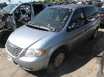 Lot: 2004495 - 2005 CHRYSLER TOWN AND COUNTRY VAN