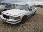 Lot: M 05-014240 - 2001 LINCOLN TOWN CAR